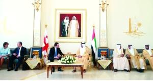 سعود القاسمي يبحث مع رئيس وزراء جورجيا علاقات التعاون