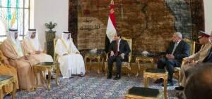 ولي عهد أبوظبي محمد بن زايد والسيسي : الإمارات تقف بجانب مصر وتدعم خياراتها الوطنية وآمال شعبها