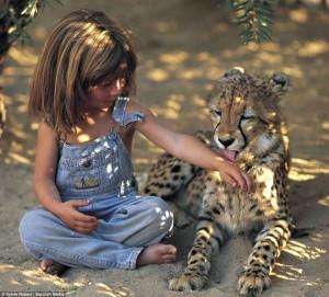 تيبى بنجامين فتاة قضت أول عشر سنين من حياتها بأدغال أفريقيا (3)